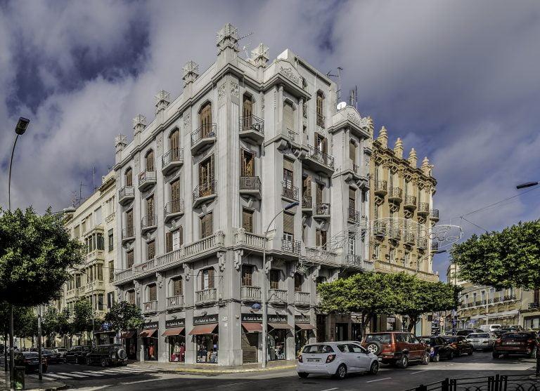 Casa De Melilla En Sevilla