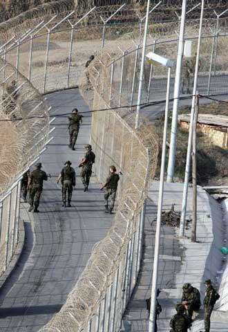 Vallas Fronterizas De Ceuta Y Melilla